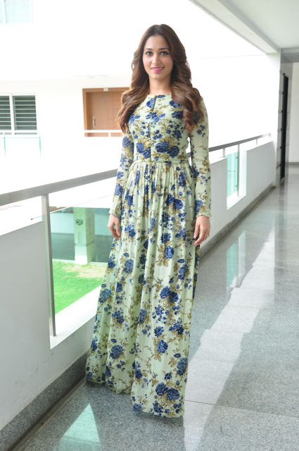 "Tamannaah Bhatia Looks Super Sexy At ""Baahubali"" Promotional Interview In Hyderabad"