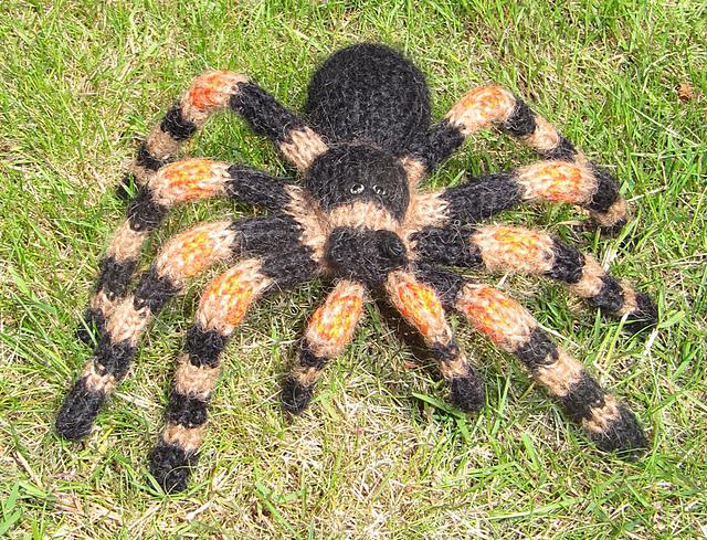 A Pet Tarantula Flagel Knitting Files