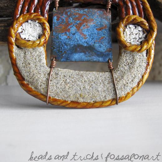 Collana con pendente in corda, rame e sabbia