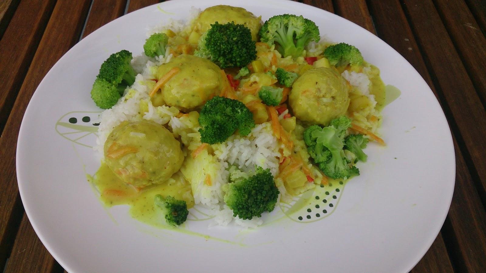 boller i karry med grøntsager