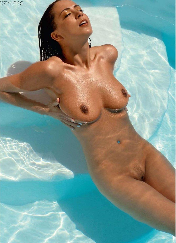 Aleandra Salai Nude