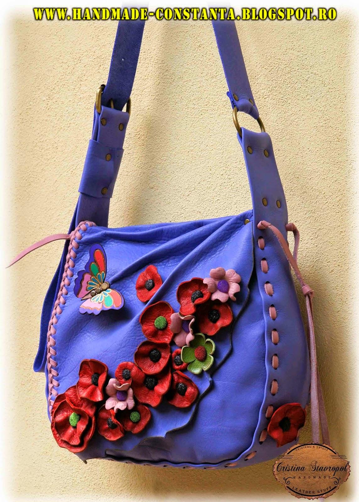 geanta lila cu fluturi si flori