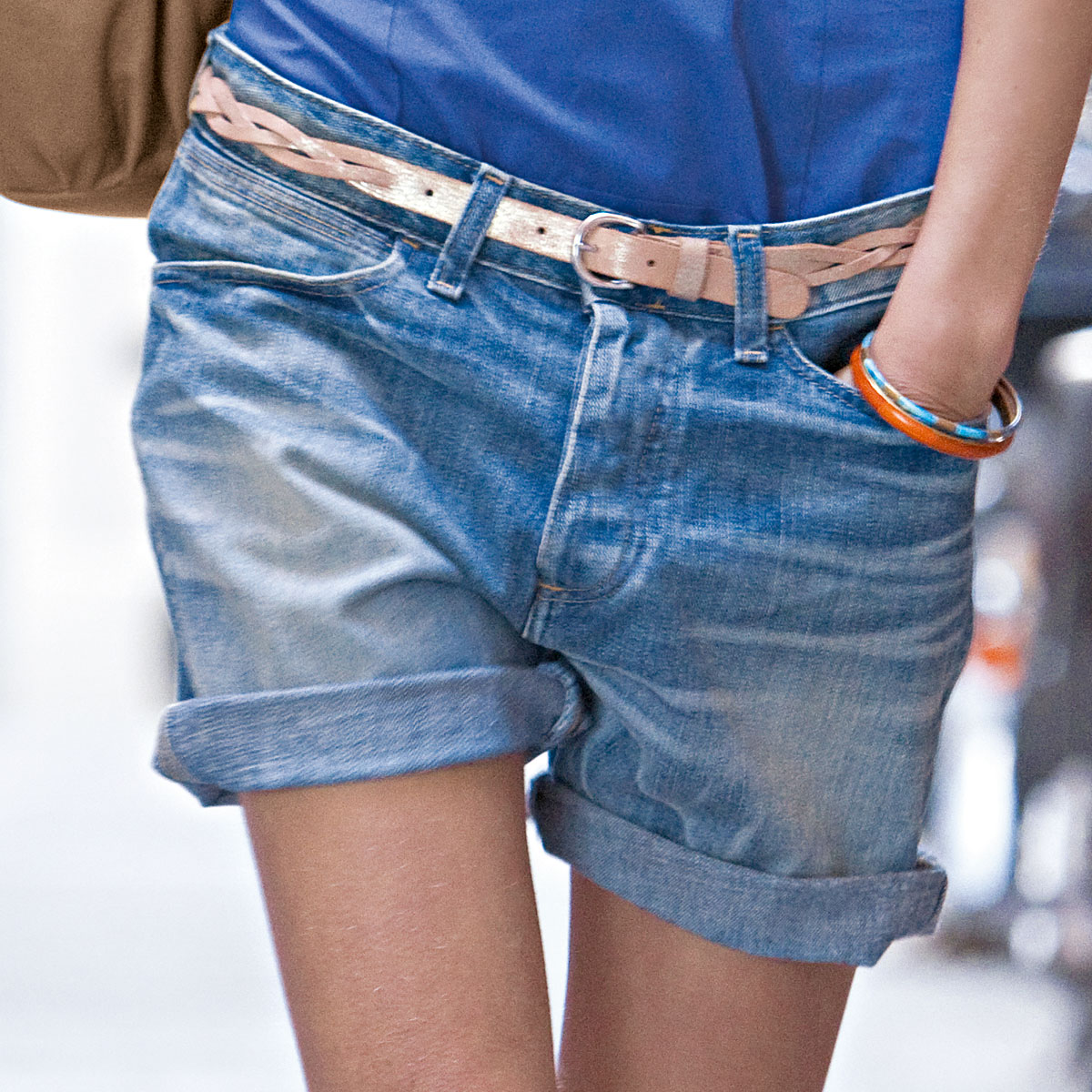 Летний тренд: шорты с босоножками (более 65 фото) 99