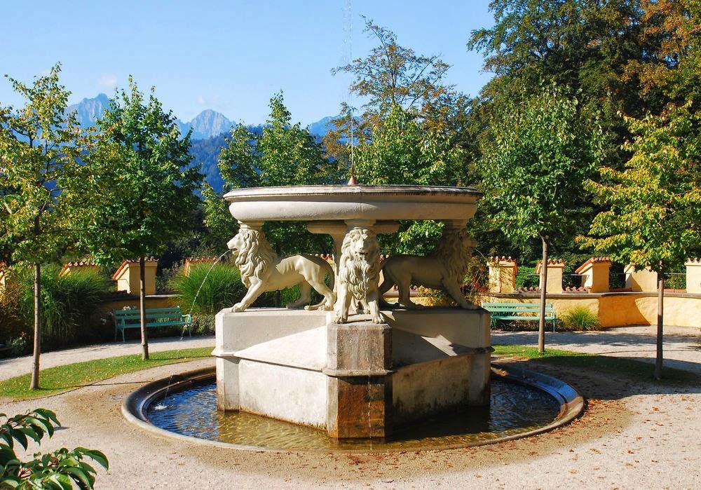 Hohenschwangau inside outside