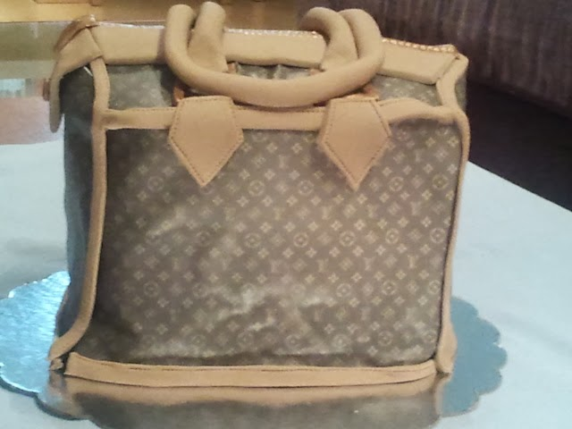 Amazing LV bag cake form side