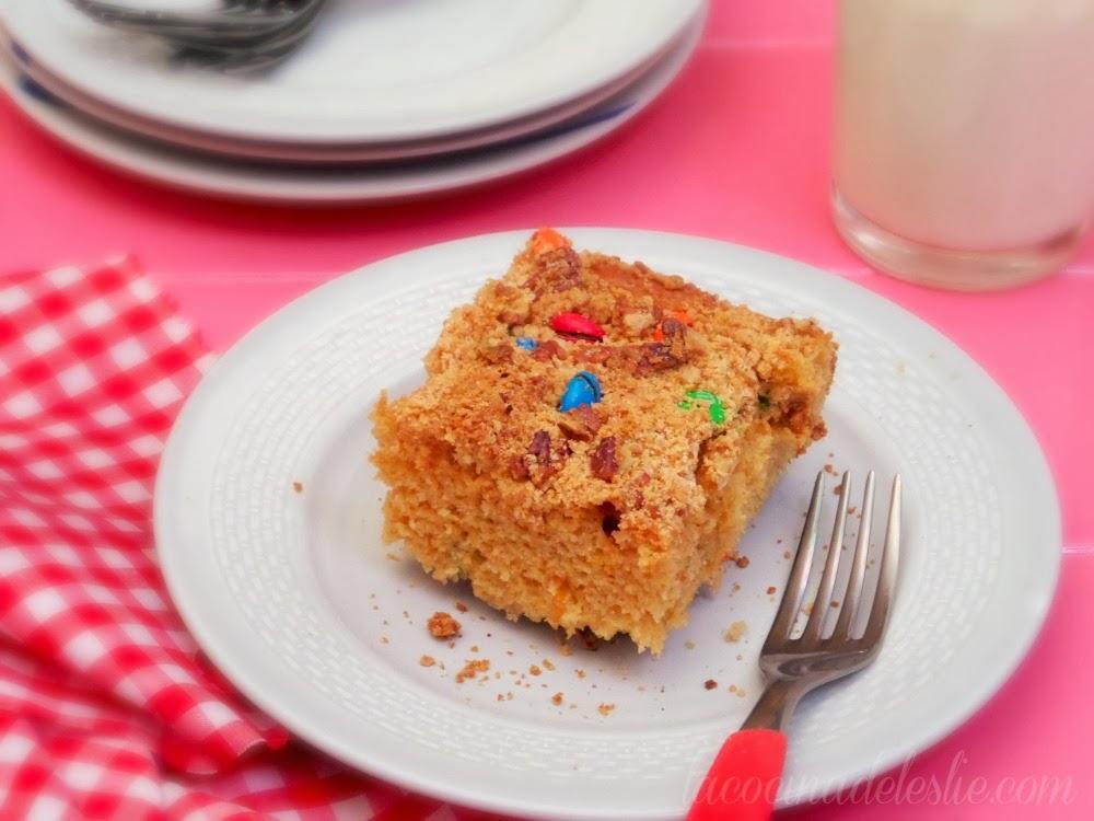 Peanut Butter Snack Cake w/ m&m's - lacocinadeleslie.com