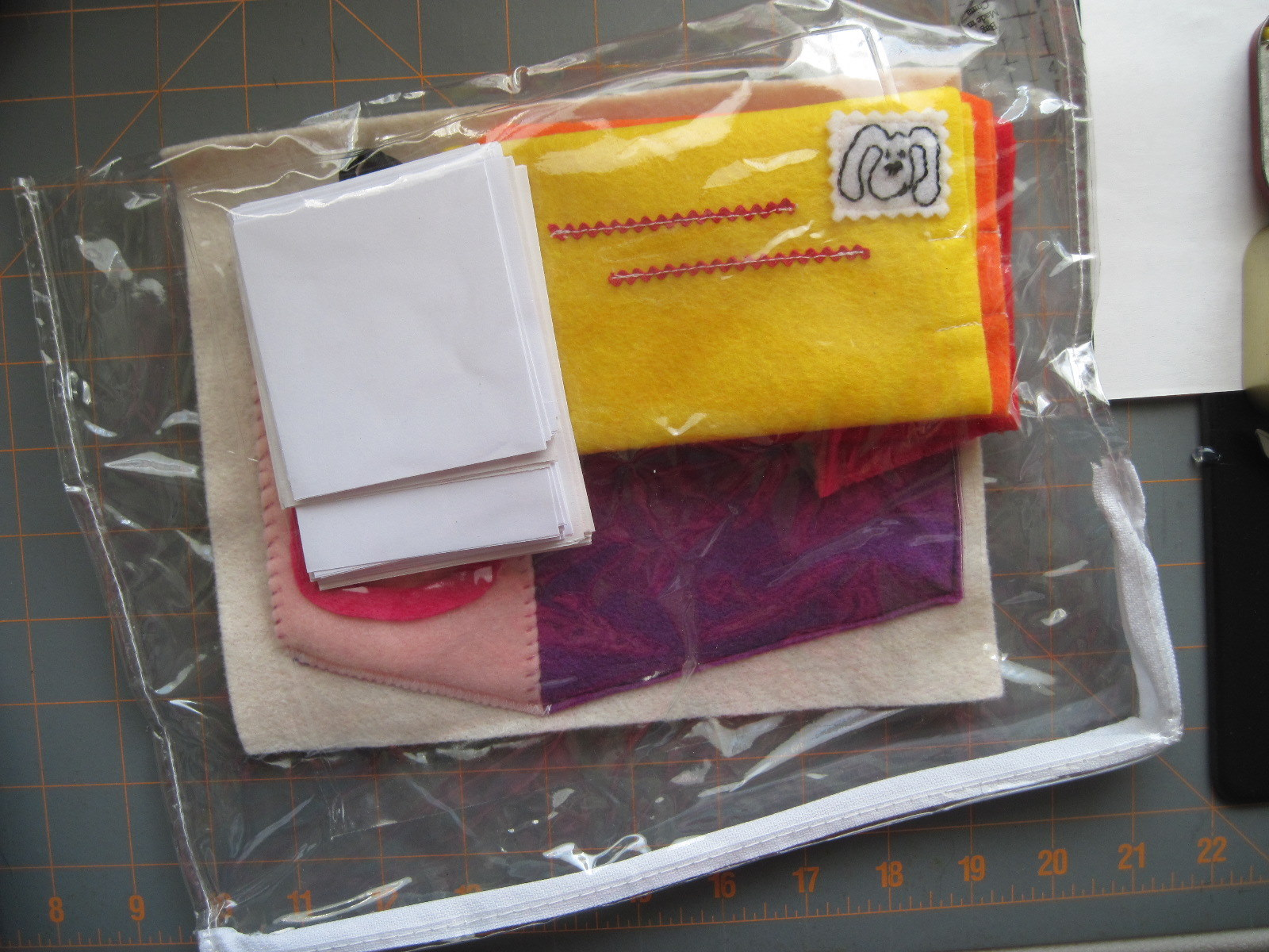 http://4.bp.blogspot.com/-6u5aXkaTR8M/T9qtizUHArI/AAAAAAAACyA/mP_DMccO_LY/s1600/busy+bags+-+mailbox+9.JPG