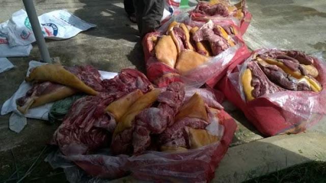 Gần nửa tấn thịt thối chuẩn bị vào quán ăn
