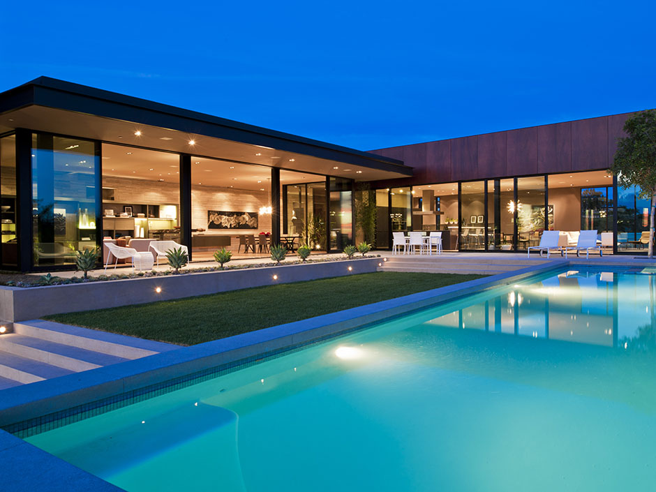Sunset strip luxury modern house with amazing views of los for Luxury homes for sale la
