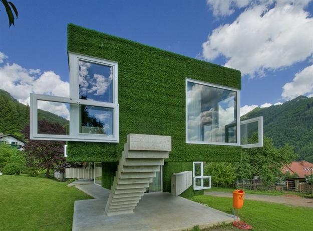 في النمسا واحد من أغرب المنازل التي شيدت وتم تغطيتها بالعشب الأخضر Grass-Covered-House-in-Frohnleiten-by-ORTIS-GmbH-18