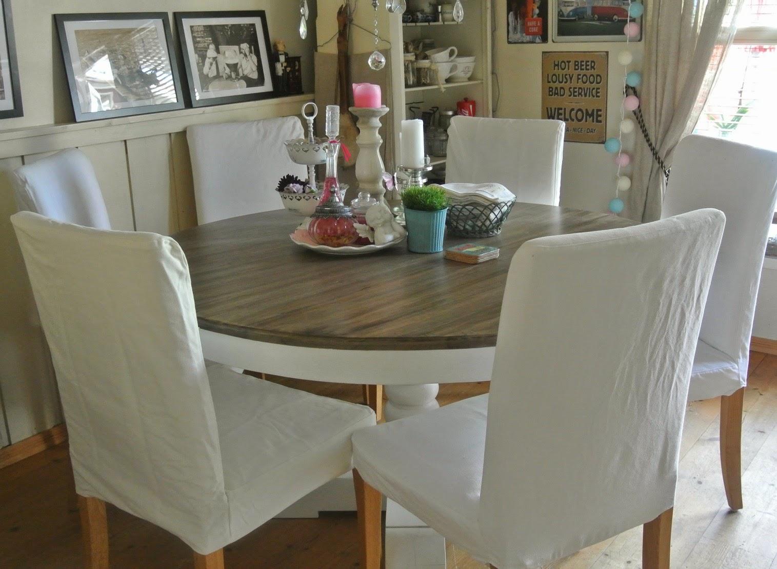 Spisestue rundt bord dusjkabinett med badekar for barn - Mesas de comedor restauradas ...