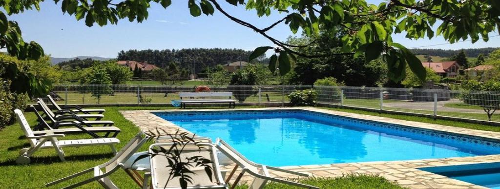Casa rural con piscina en Santillana del Mar