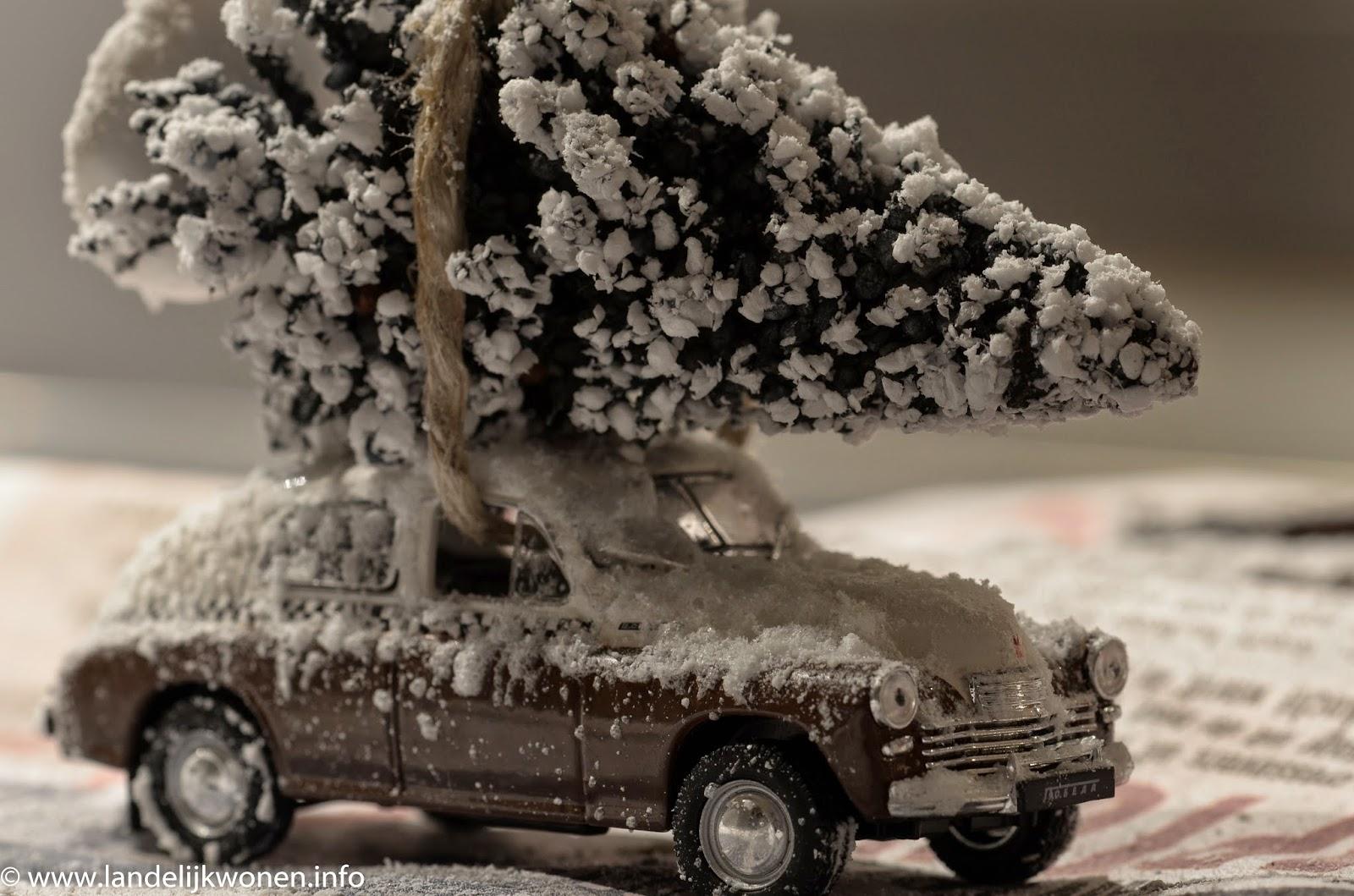 Landelijk wonen let it snow for Mini kerstboom action