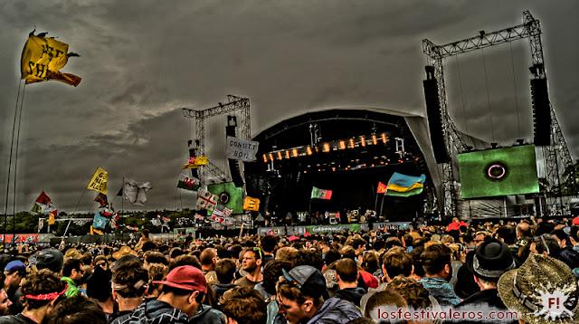 Concierto de Tame Impala en Glastonbury Festival 2013