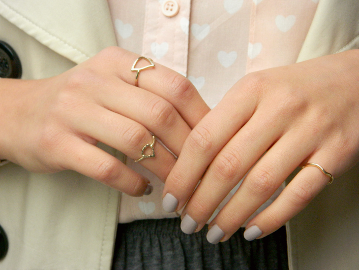 Love From Lisa Fashion: Heart Print Shirt & Gold Midi Rings