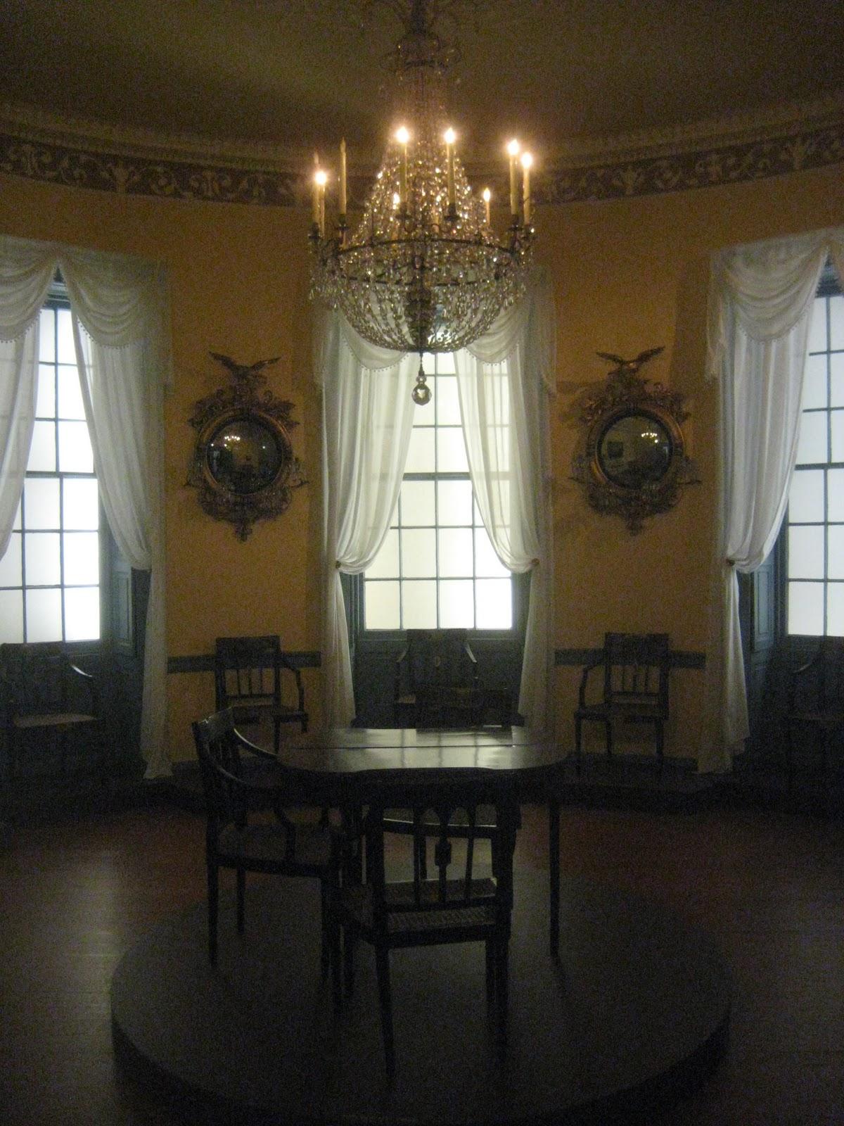 Southern Folk Artist Amp Antiques Dealer Collector Oval