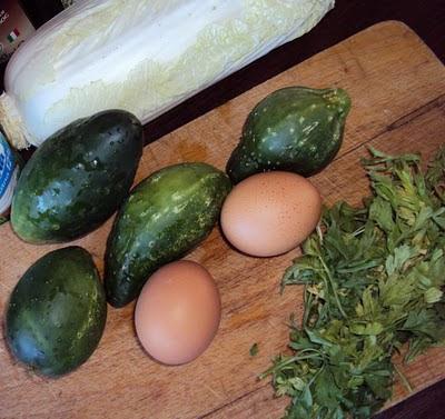 Prosta sałatka jajeczna z majonezem dla zapracowanych