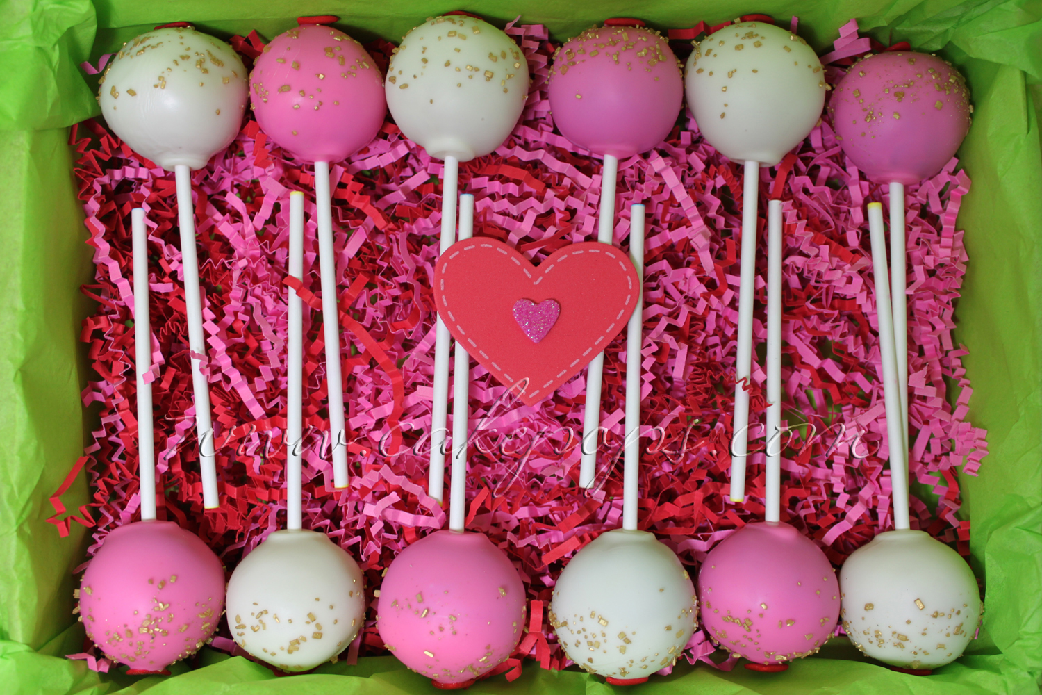 Valentineu0027s Day Is Approching.. Your Hunny Will Fall In Love With These Cake  Pops. Also Offering A Valentine Cake Pop Flavor Trio: Chocolate, Red  Velvet, ...