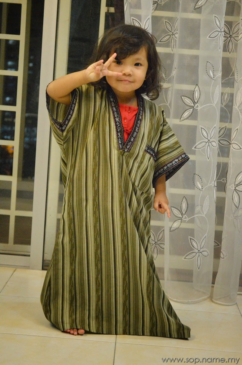 Bila Auni pandai pakai baju sendiri