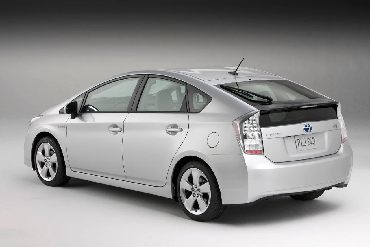 Gambar Toyota Prius Harga Jual Bekas Second Tinggi 2014