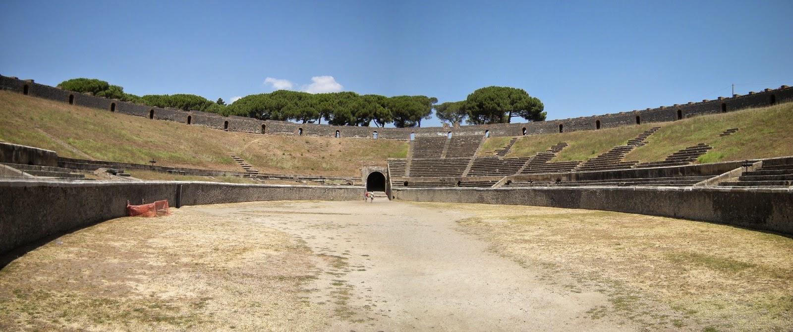 Es el Anfiteatro de piedra más antiguo conocido en Roma