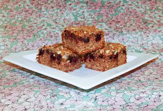 3 blackberry and almond crumble squares