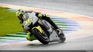 Foto-Yamaha-YZR-M1-Valentino-Rossi_5