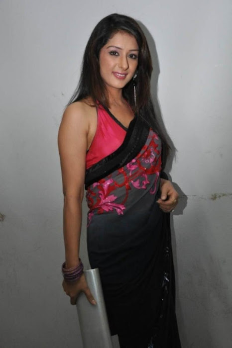 samiksha saree , glamour  images