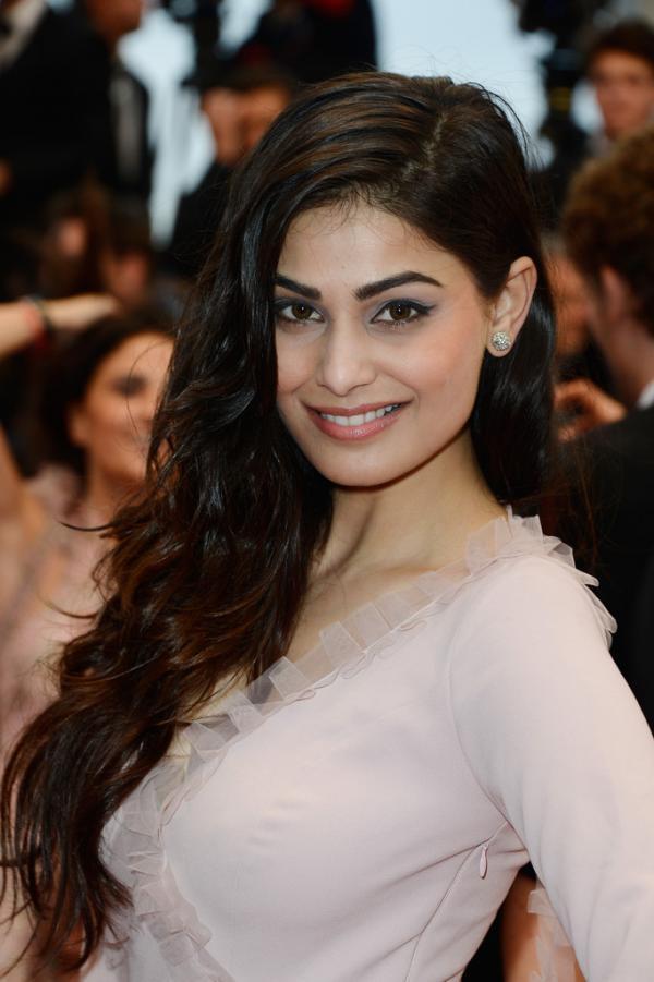 celebrity makeup puja gupta at cannes 2013