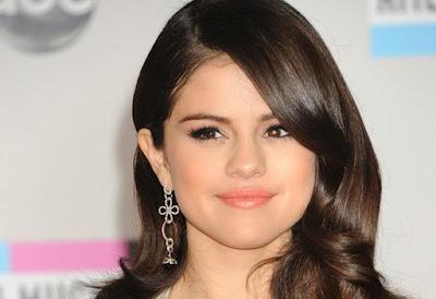 """El nuevo álbum de Selena Gomez tendrá una canción como """"Who Says""""."""