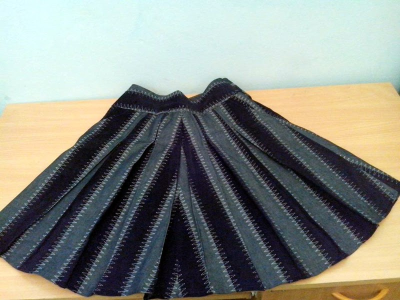Stepalica Patterns: Zlata suknja - testiranje kroja, Raki