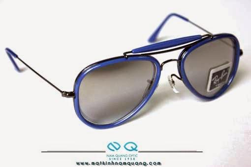 Các bạn nhớ cẩn thận mấy loại kính dỏm, làm bằng nhựa trong suốt, nhựa màu… Loại đeo đi trời nắng, cực kỳ có hại cho mắt. Thà các bạn không đeo còn tốt hơn