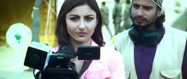Screen Shot Of Hindi Movie War Chod Na Yaar (2013) Download And Watch Online Free at worldfree4u.com