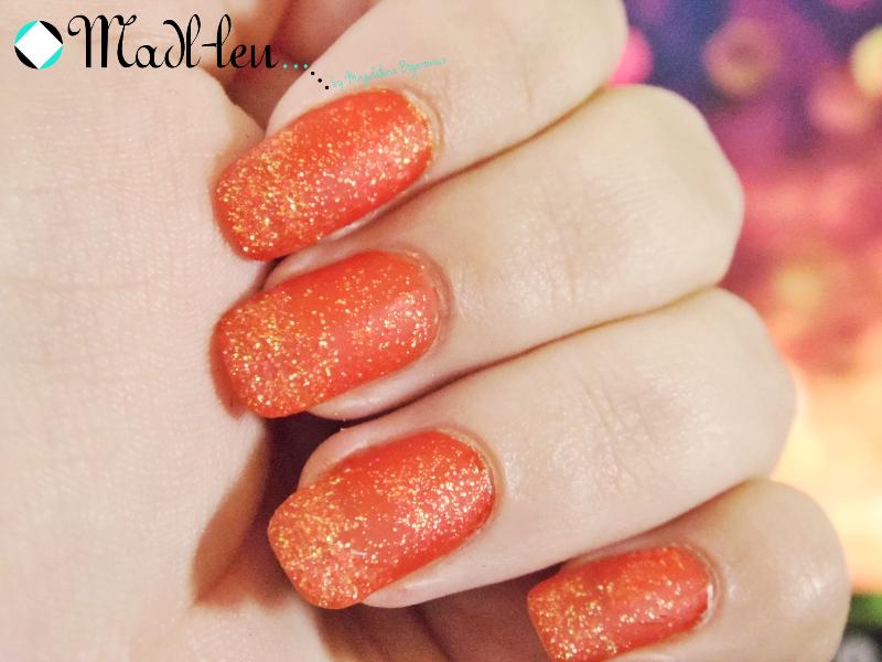 Pomarańczowe paznokcie