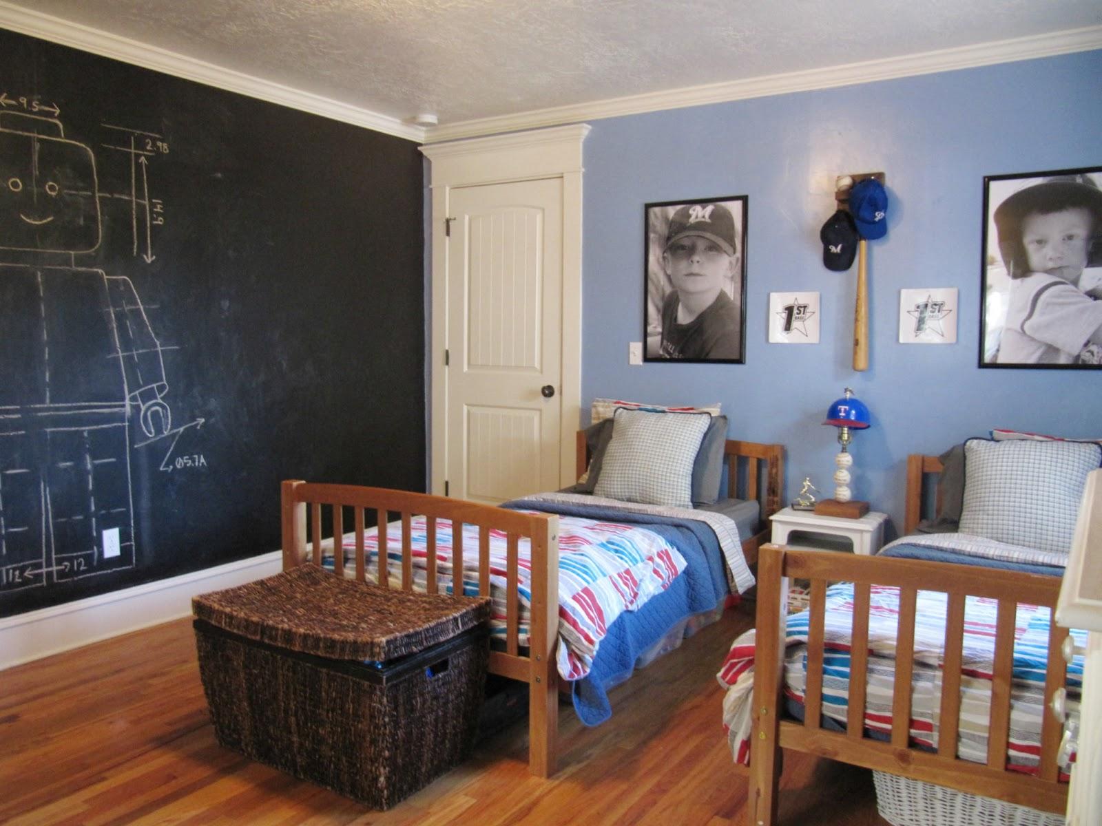 Boys room reveal the wicker house for Bedroom chalkboard paint ideas