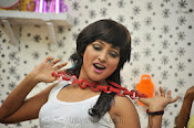 Hari priya hot Photos from Galata-thumbnail-20