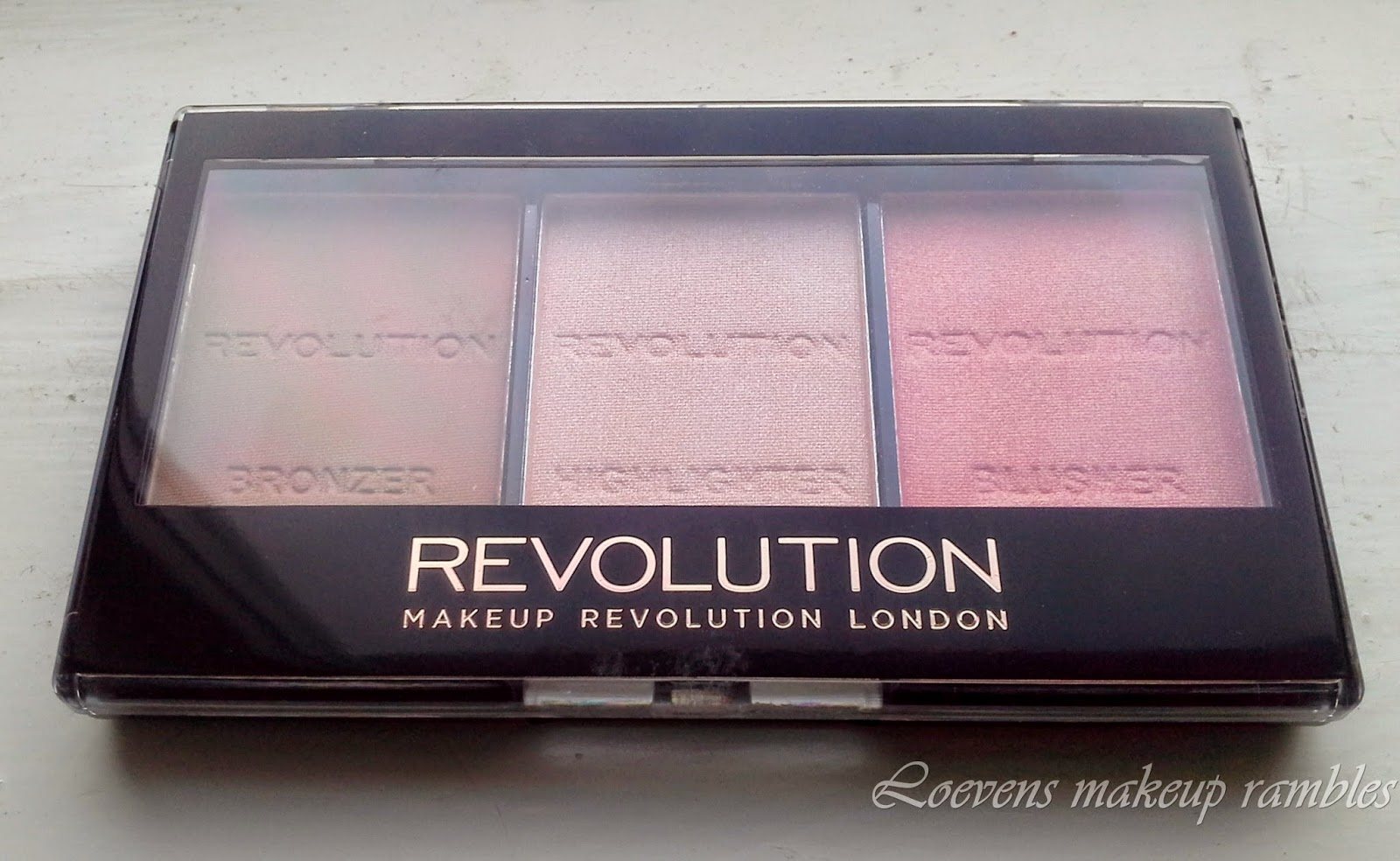 ... Makeup Revolution Ultra Sculpt Brightening Contour Kit Makeup