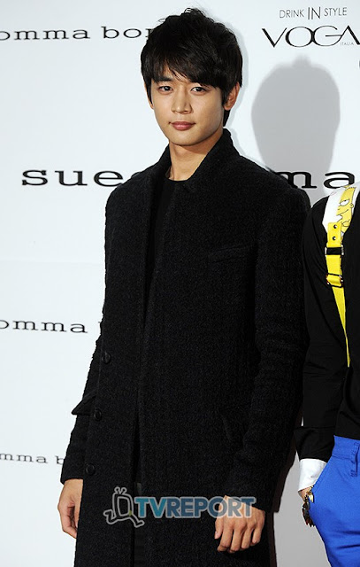 SHINee Minho at Seoul Fashion Week Suecomma Bonnie show 121025.