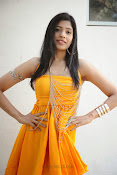 actress pragathi hot photos in yellow-thumbnail-9