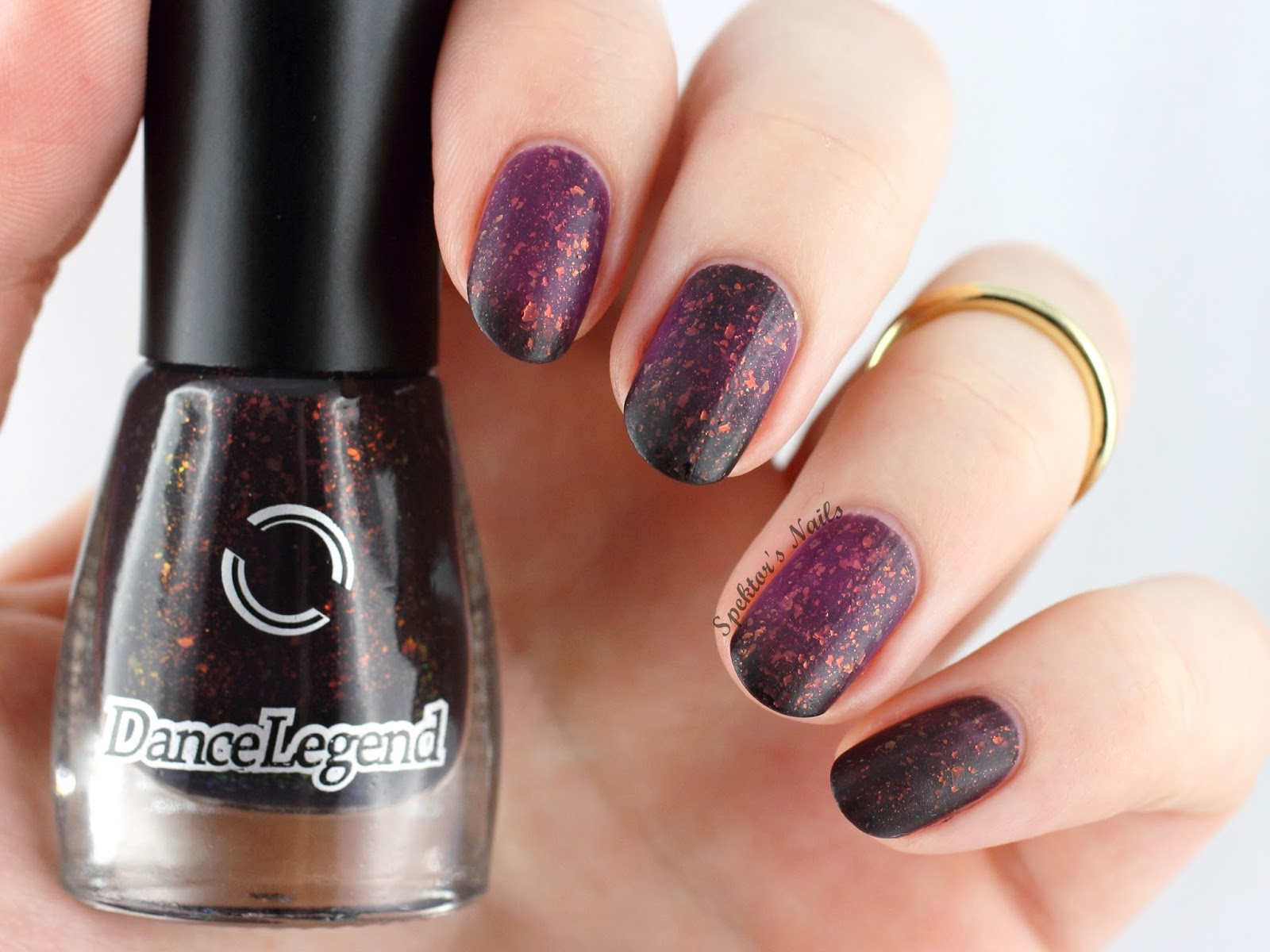 Dance Legend Mortal Kombat - Rain / Thermal Flakie Polish