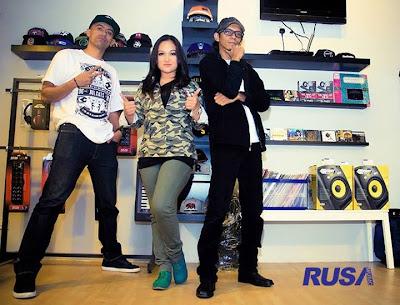 Altimet, Isma & Saiful Apek - Pak Pung 2013 Lirik dan Video