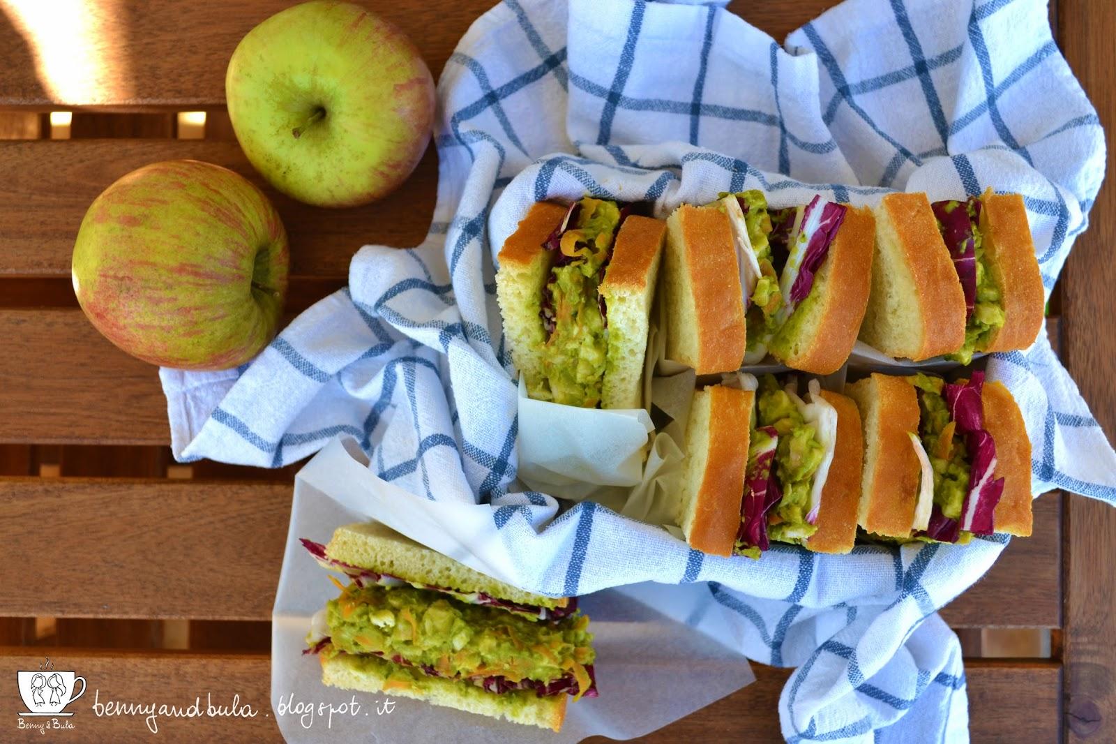 panini picnic di pasquetta con pollo radicchio e crema di piselli/ chicken beans and salad sandwichwes