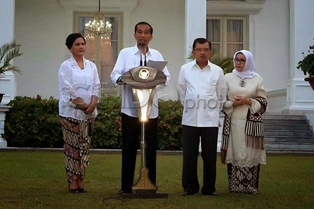 100 Hari Pemerintahan, Jokowi Gagal Komunikasikan Program.Pemerintah Joko Widodo-Jusuf Kalla (Jokowi-JK) dinilai belum menunjukkan arah yang jelas dalam 100 hari pemerintahannya.  Jokowi-JK dan kabinetnya belum cukup memberikan informasi yang jelas, sasaran apa yang mau dicapai.