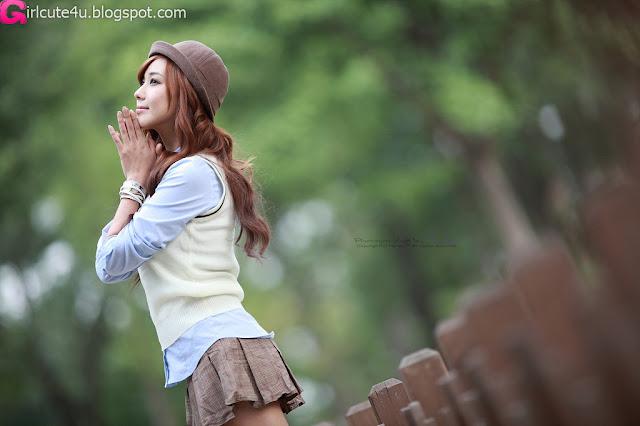 8 Kim Ha Yul in Mini Skirt-very cute asian girl-girlcute4u.blogspot.com