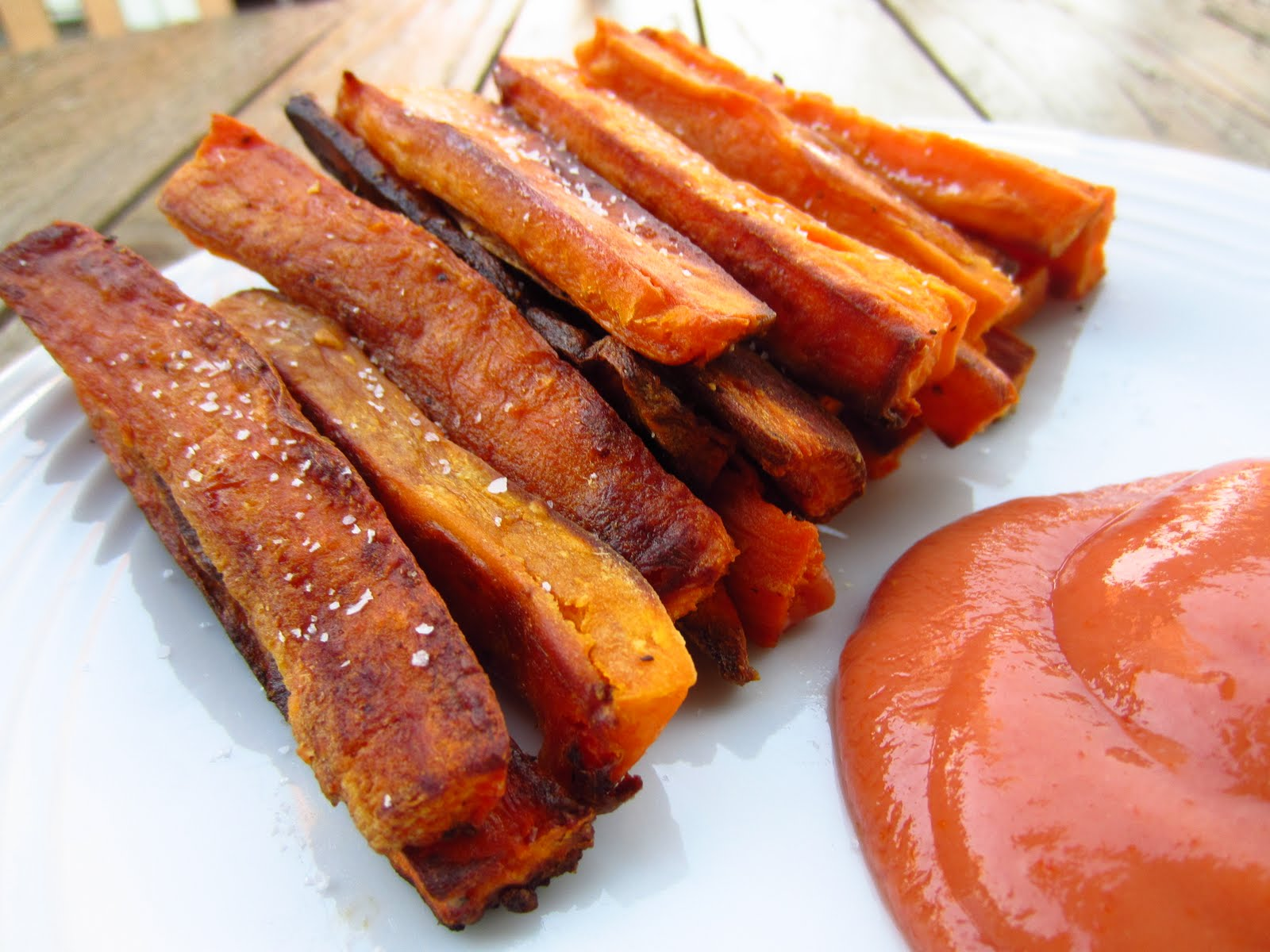 ... Free Blondie: Recipe: Baked Sweet Potato Fries with Spicy Ketchup