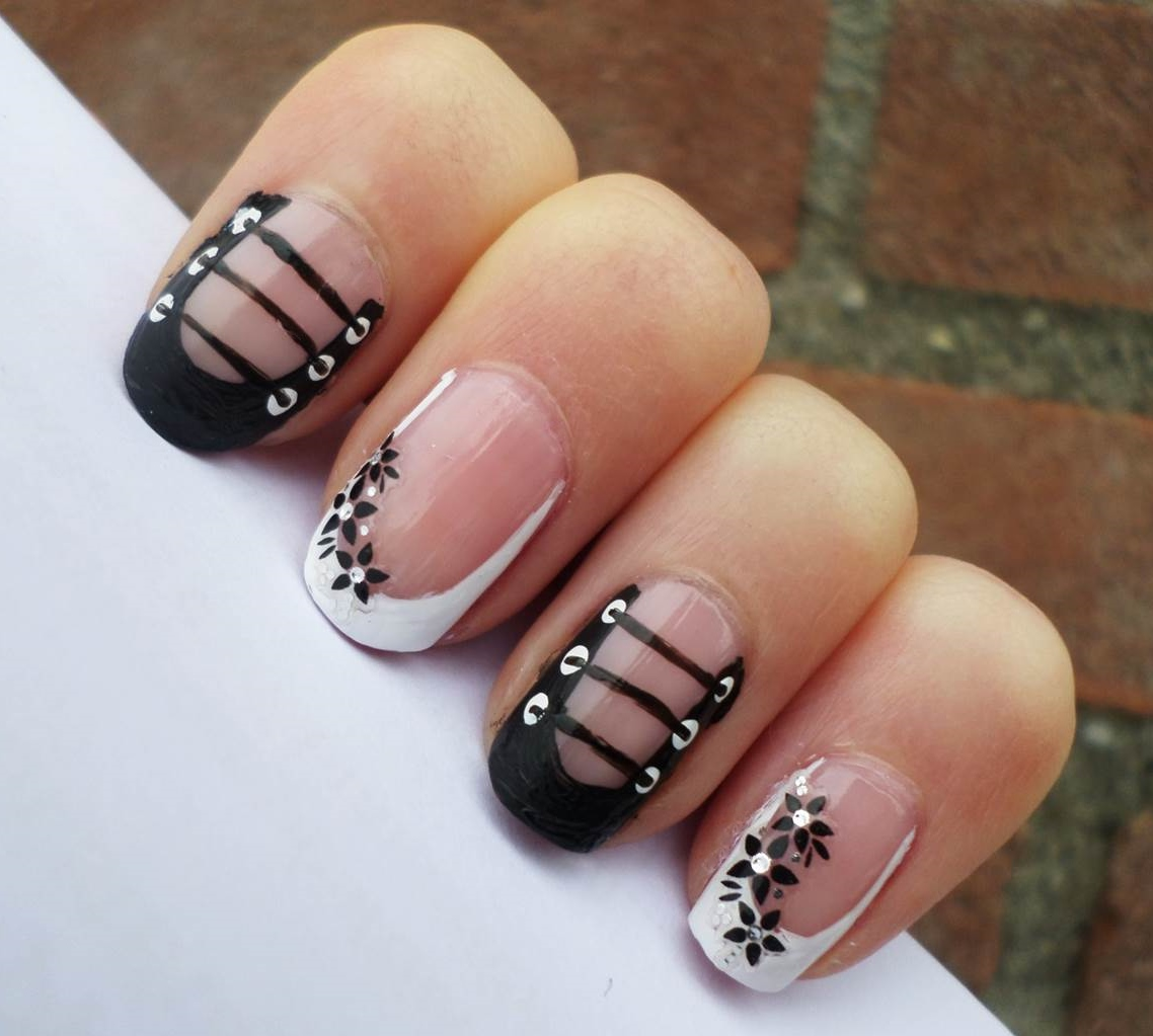 Creativenails4fun Corset Nail Art