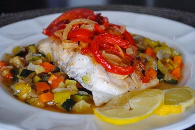 как приготовить филе рыбы с овощами на сковороде
