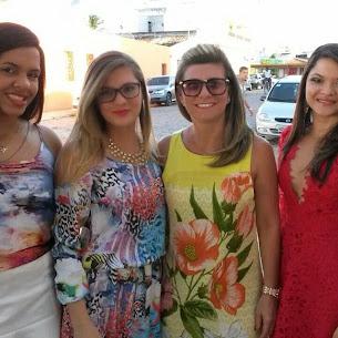 SOPHIA, NAILZA, VITÓRIA E AMIGA