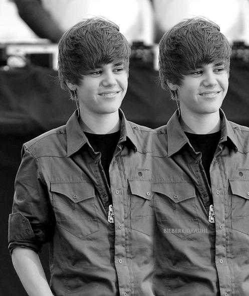 justin bieber tumblr background. hair stage with Justin Bieber,