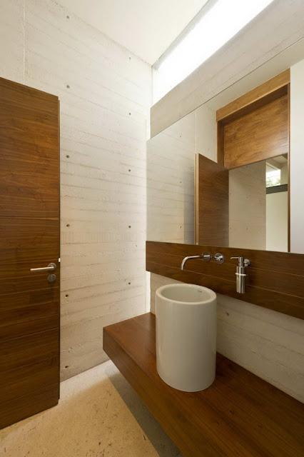 Ванная комната в современном доме